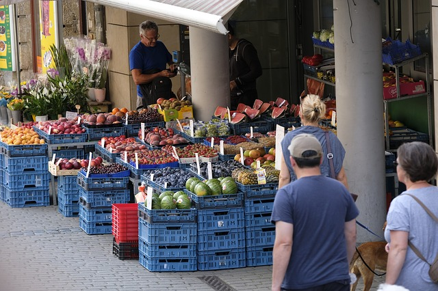 farmers market - frugal shopping